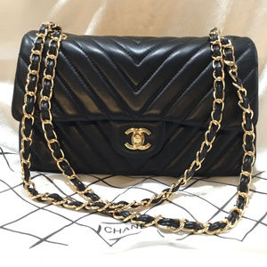 Handbags - Classic Lambskin Leather Cross Body Shoulder Bag